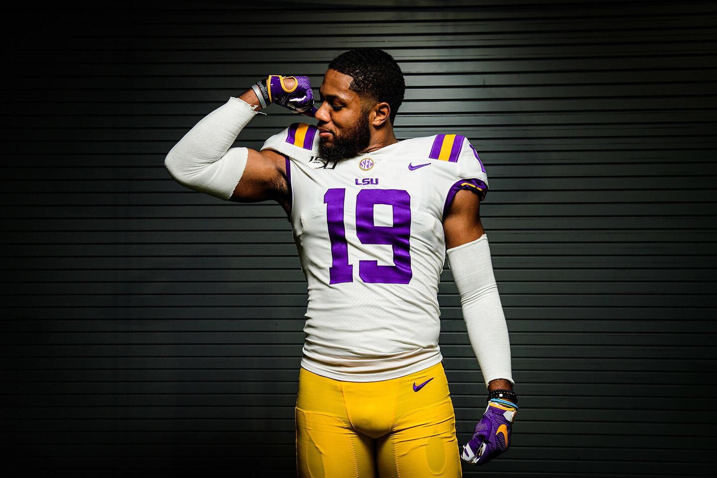 Movin Up New Lsu Transfer Lb Jabril Cox Well Equipped For His Transition To Major College Football